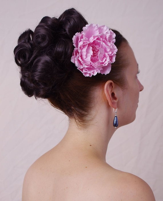 Gina Huge Round Curly Hair Bun In 1960s By Fancynancyhairupdos