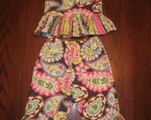 Girls Adorable Ruffle Outfit (top and pants or capris)