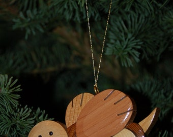 SMILING BEE ORNAMENT Carving