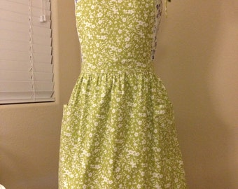 Green and White Floral Full Apron