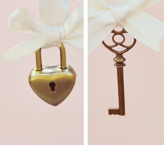 Lock and key wedding pin set, Unique bridal keepsake, Gift for bride, Key Boutonniere and Heart lock bouquet charm - KEY to my HEART