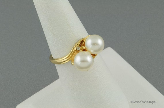 Vintage Cocktail Ring Pearl & Rhinestone Size 7.75