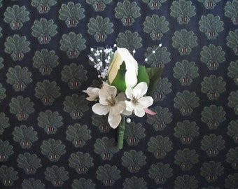 Boutonniere - Ivory Rosebud with Ivory silk flowers and pearls