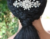 SNOWFLAKE HAIR COMB  Tiara,  Just Stunning, Perfect for a Winter Wedding, Bridal Headpiece, Wedding Hair Accessory, Cubic Zirconia, Custom