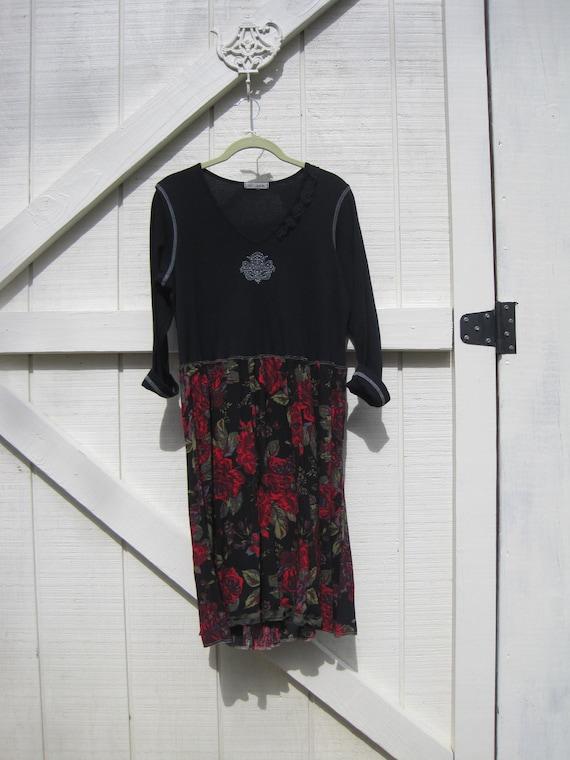 Boho dress medium, black red gypsy dress, cowgirl gypsy dress, bohemian dress M-L black red rose dress, black red rose medium Ready to ship