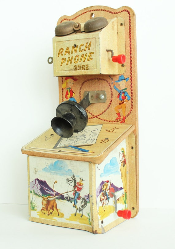 Items similar to vintage gong bell ranch phone 39r2 toys - Toys r us lattes telephone ...
