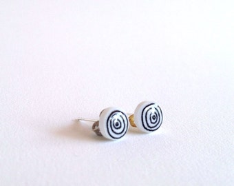 Hand Drawn Circle Doodle Post Earrings Studs