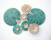 Set of Lily pad coasters and lily flowers ceramic green leaf Summer time Waterlily emerald green MADE TO ORDER