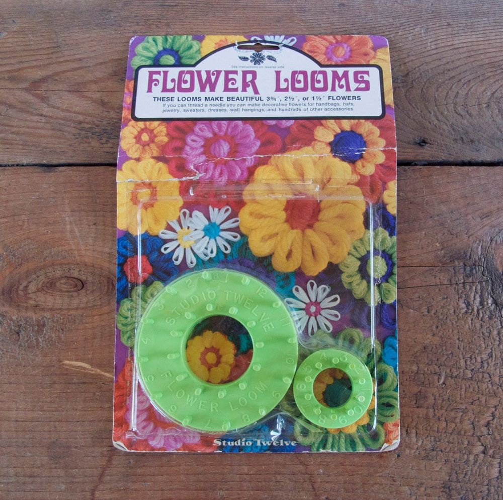 Vintage Flower Loom Studio Twelve Craft Kit Daisy Loom