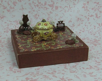 Miniature Fantasy/Fairytale Coach/Carriage Figurine with Buttons