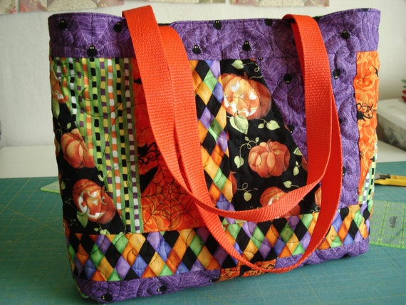 Scrappy Halloween Tote bag - Quilted Brights