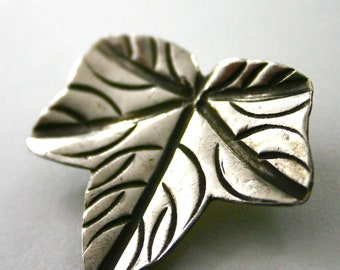 Hill Tribe Silver large leaf pendant