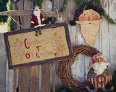 Santa Epattern Primitive Christmas Pattern Stitchery Wood  Door Decoration Doll Pillow PDF Folk Art Christmas Folkart HIckety Pickety 073