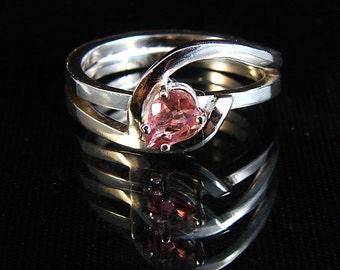 Hold Me - Pink Tourmaline gemstone ring
