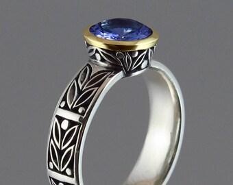 LAUREL CROWN 14K gold ring with Tanzanite
