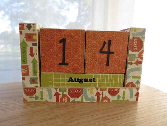 Perpetual Wooden Block Calendar - Street Signs and Stoplights