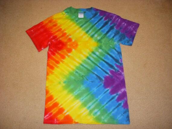 Small adult tie dye t-shirt zigzag