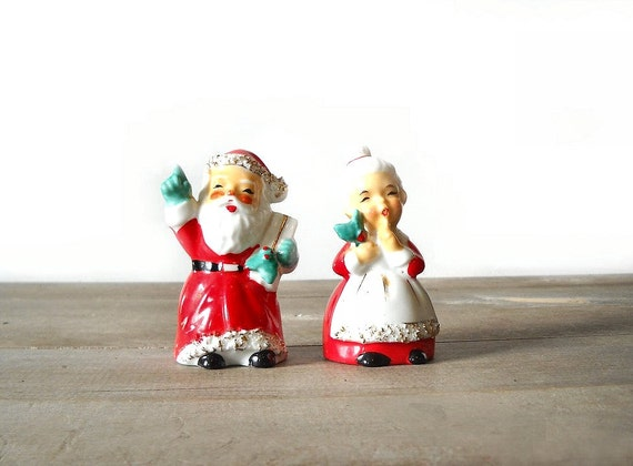 Christmas Salt Pepper Shakers Santa & Mrs Claus Vintage Lefton