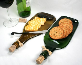 Green Wine Bottle Flat Serving Tray with Cork and Raffia - Recycled Eco-Friendly