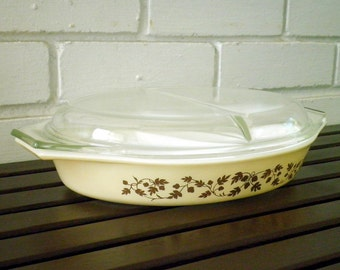 Vintage Pyrex Golden Acorn Pattern Divided Casserole Milk Glass Dish + Clear Glass Lid, Circa 1960's, Retro Acorns Thanksgiving Serving Dish