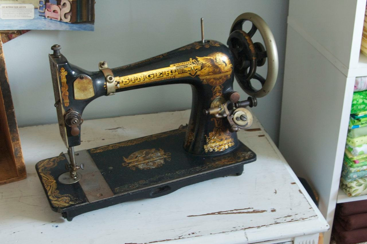 1902 singer treadle sewing machine