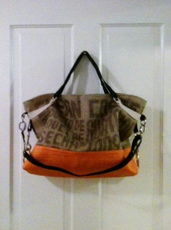 Messenger TOTE in burlap with quilted bottom