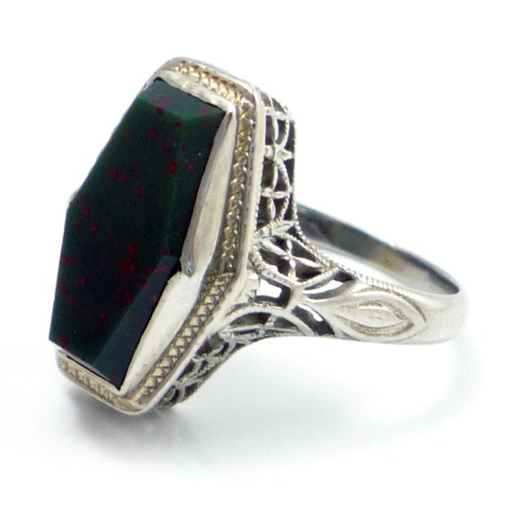 18K Antique BELAIS Art Deco Filigree Bloodstone Ring