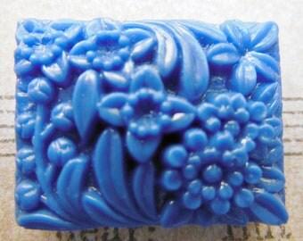 Rare vintage Japanese bead pendant periwinkle blue carved stone 2-holed bead cabochon (1)