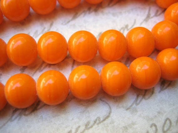 Vintage Japanese glass tangerine orange opaque glass beads rounds - Japan - 8mm rounds (20)