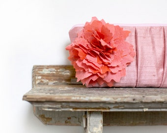 Coral Wedding. Blush Pink. Bridesmaids Clutches. Bridal Accessory. Pastel Wedding. Maid of Honor. Mother of the Bride. Gift for Mom. Purse