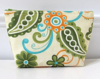Large Makeup Zipper Pouch With Flat Bottom