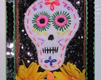 Embroidered Sugar Skull, Sugar Skull Nicho, Mexican Wood Nicho, Felt Sugar Skull, Day of the Dead Nicho, Mexican Folk Art, Painted Nicho