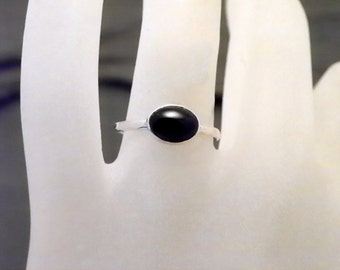 Sterling BLACK ONYX  Handcrafted Ring -  Silver Horizontal Gemstone Ring
