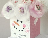 15 Snowman Christmas Party Favor Winter Tissue Paper Flowers sucker lollipop centers. Personalized. Pink White with lace and pearls.