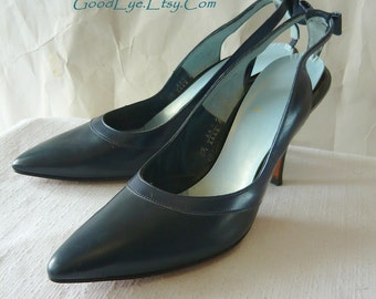 60s Leather BOW BACK High Heel Shoes size 8 .5 narrow Stilletto Cut Out Pointed Toe Eur-39 UK 6 Never Worn Blue