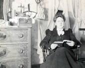 vintage photo 1900 Woman Reads Bedroom Albumen Victorian