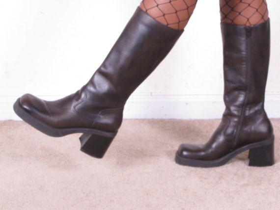 90s vintage clunky chunky heel brown leather PLATFORM round toe tall knee high boots us 7.5