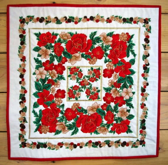 Christmas Quilted Table Topper, Holiday Decoration