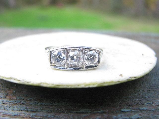 Stunning Art Deco 18K White Gold Diamond Ring Clean By