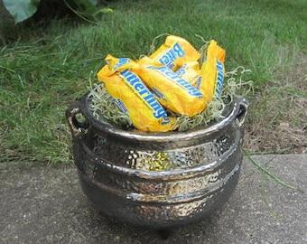 Halloween candy dish - Black Pot - Cauldron - Halloween witches brew pot - Candy Dish - Hammered metal look - fall decoration - autumn decor