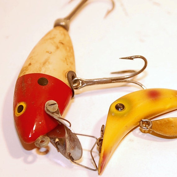 Two vintage fishing lures little wooden fish by secondseed for Old wooden fishing lures