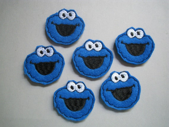 Blue Monster that Loves Cookies Embroidered Applique - Feltie - 120