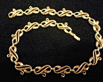 Gold tone Trifari necklace