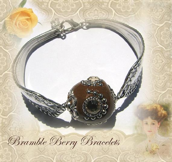 Spoon Bracelet - Vintage Spoon Bracelet - Vintage Spoon Bracelet - Wm. Rogers 1901 Mayflower pattern
