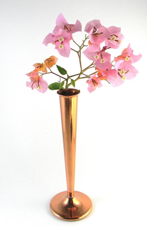 Vintage bud vase in copper, vintage vase, copper vase