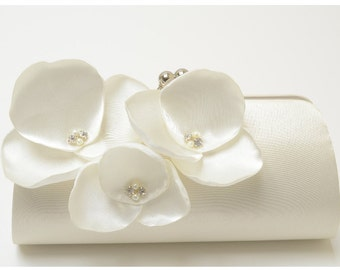 Ivory Orchid Flower Bridal Clutch - Bouquet Clutch -  Rhinestone & Pearls - Kisslock Snap Frame - Champagne Ivory White - Medium Size