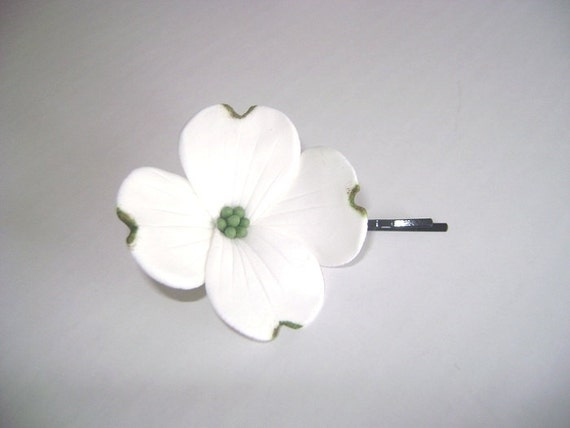 Wedding Hair Fascinator. White Dogwood Hair Pin. Bridal/Bridesmaid/Flower Girl Hair Pin. Set of 2