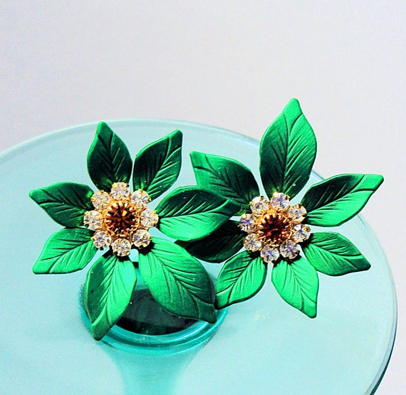 VTG Green Floral Christmas Earrings. Flower and Rhinestone Earrings, Christmas Post Earrings