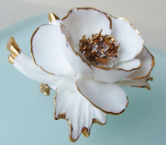 Staffordshire China Cara Vintage white gold rose brooch Mint condition