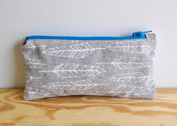 Simple Feather Zipper Pouch